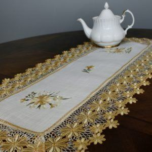 NEW Table or Dresser Runner YELLOW DAISY LACE